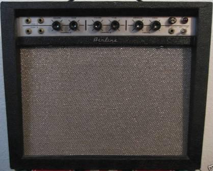 Airline combo guitar amplifier