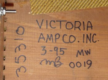 Victoria amplifier chassis date label